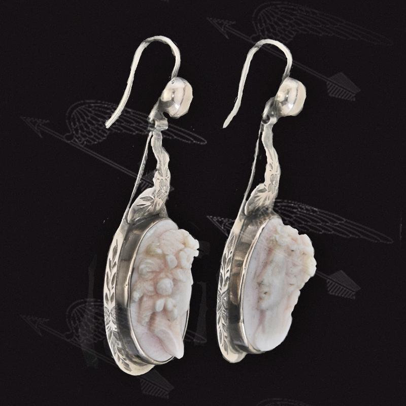 konch-shell-cameo-earring-waterk-13.jpg