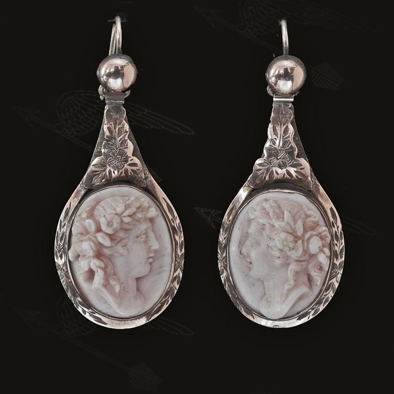 konch-shell-earring-watermark-21.jpg