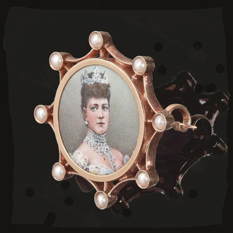 queen-alexsandora-broach-watermark-2-2.jpg