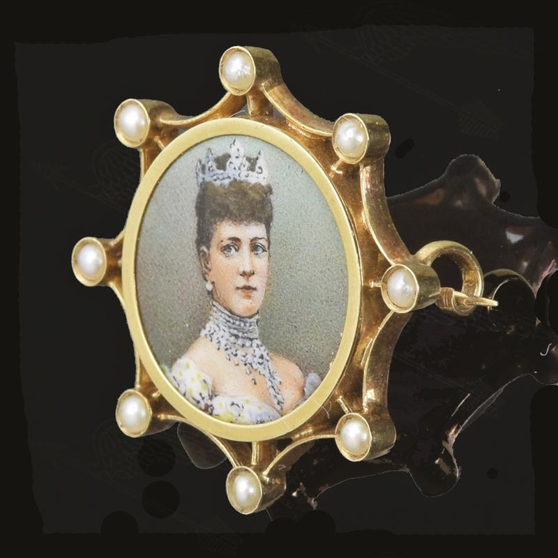queen-alexsandora-broach-watermark-3.jpg