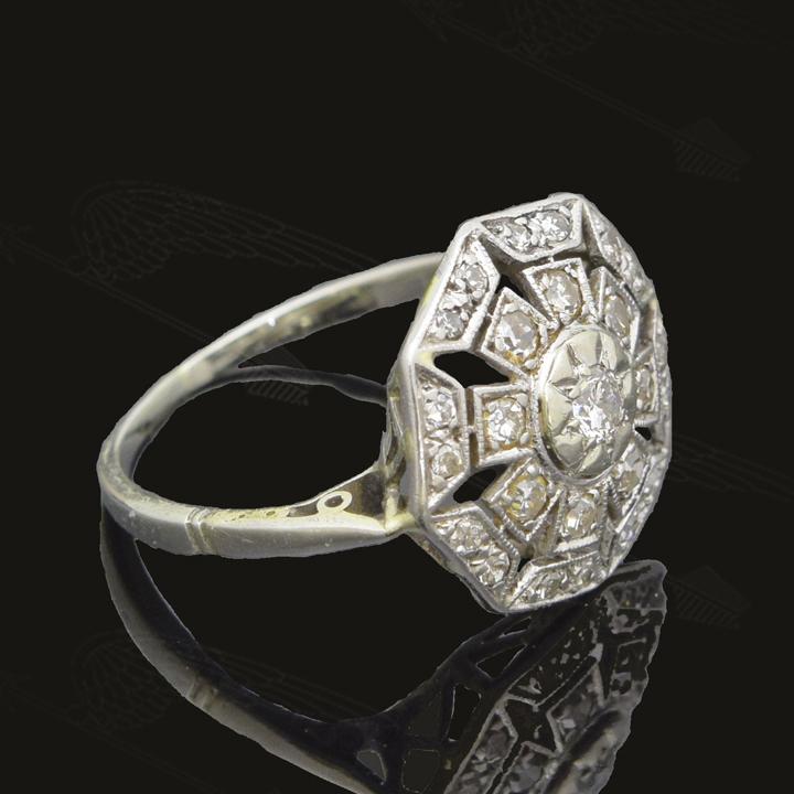 white-gold-diamond-ring-waterm39.jpg
