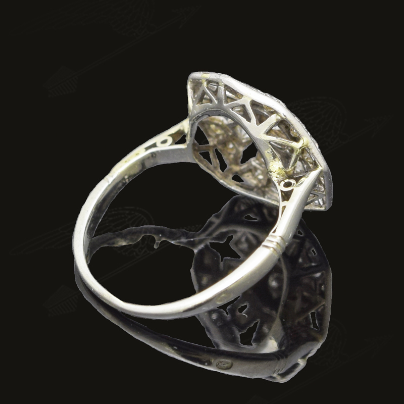 white-gold-diamond-ring-watermar15.jpg